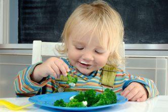 Trẻ bị rối loạn tiêu hóa không nên ăn gì