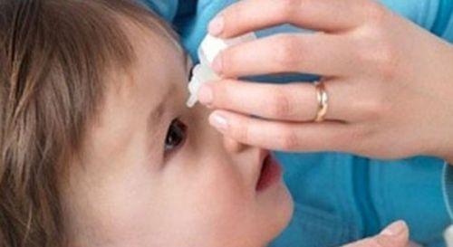 bé 1 tuổi bị đau mắt đỏ