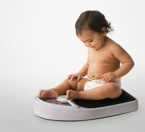cân nặng trẻ nói lên điều gì