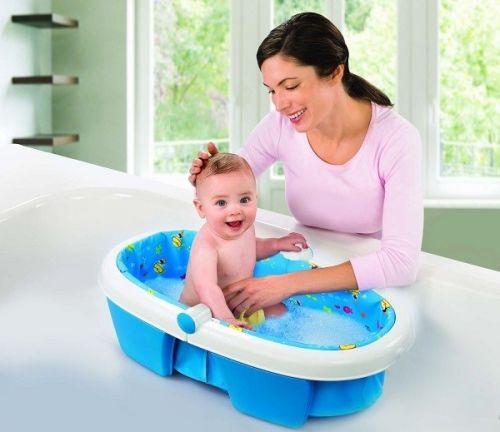 ngâm hậu môn trẻ nước muối ấm