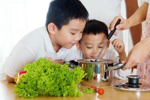 mẹo khiến trẻ ăn nhiều rau xanh