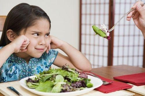 cách khiến trẻ thích ăn rau