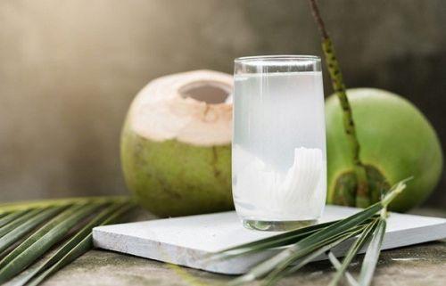cân bằng hệ vi khuẩn đường ruột bằng nước dừa