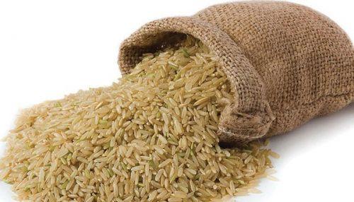 dùng gạo còn nguyên cám nấu cháo