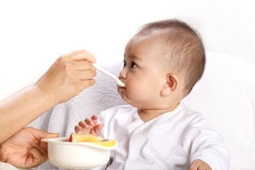 dinh dưỡng cho trẻ 6 tháng tuổi