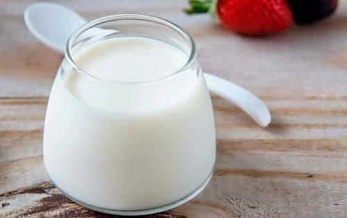 sữa chua trị biếng ăn