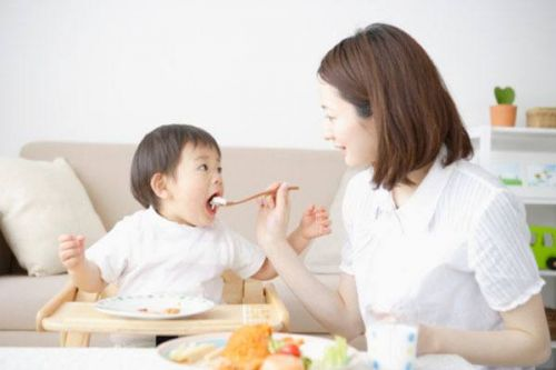 thói quen ăn uống dẫn đến ung thư ở trẻ em