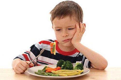 xử lý khi trẻ biếng ăn