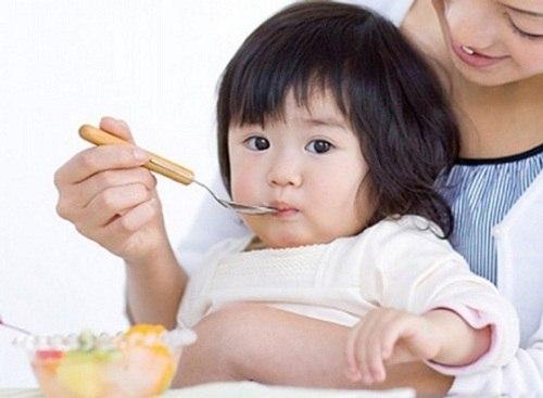 Dấu hiệu trẻ còi xương suy dinh dưỡng