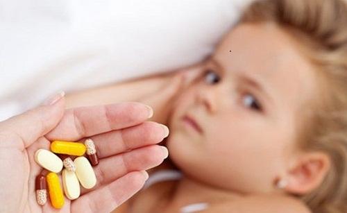uống kháng sinh lâu ngày