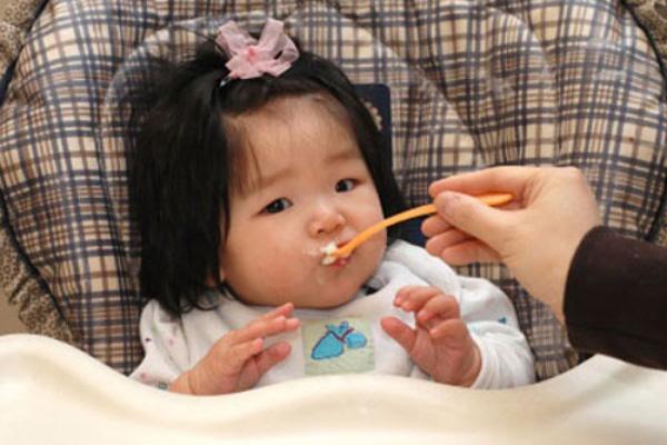 Các món cháo cho bé bị rối loạn tiêu hóa