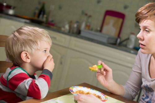 kinh nghiệm chăm sóc trẻ kém hấp thu