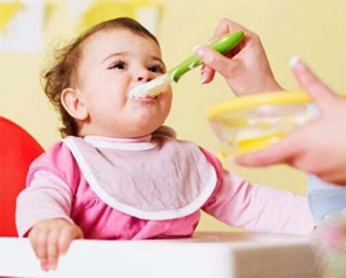 Phương pháp ăn dặm truyền thống được nhiều gia đình áp dụng nhất