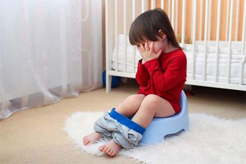 Trẻ uống kháng sinh dài ngày dễ bị tiêu chảy