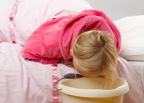 Trẻ bị rối loạn tiêu hóa nôn nhiều