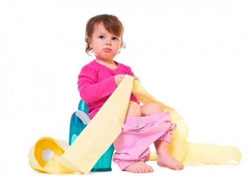 Trẻ bị đầy bụng tiêu chảy