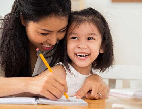 Trẻ phát triển tốt cả về trí tuệ và thể chất
