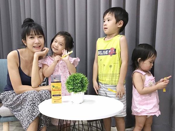 Gia đình ca sĩ Lý Hải - Minh Hà tin dùng Himita cho bé