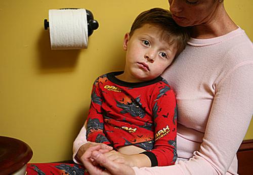 trẻ nhiễm trùng đường ruột hay bị đi ngoài